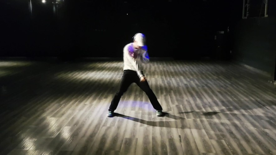 [Practice] UNIQ YIBO's Dance Practice