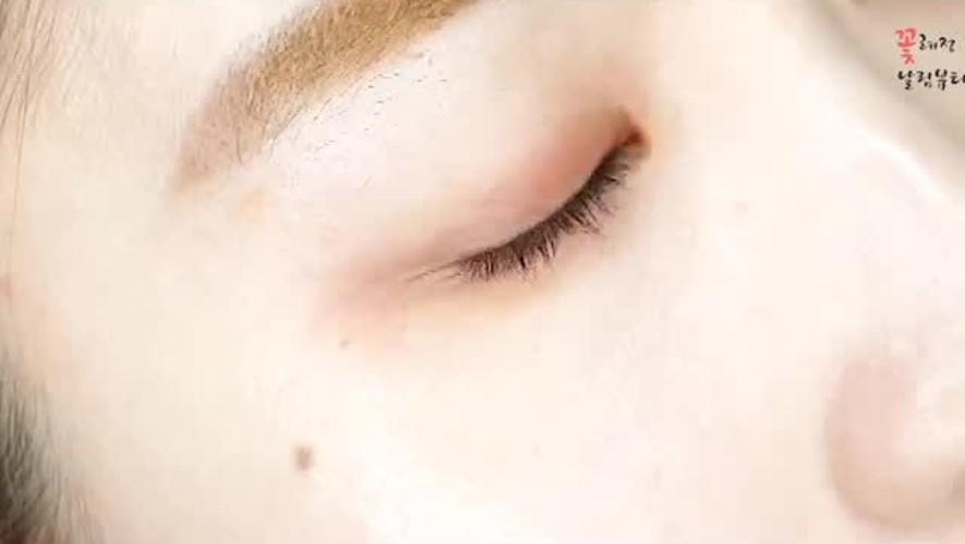눈 커보이는 메이크업 로드샵 섀도우로 쉽게따라해요 Road shop eyeshadow to make eyes look bigger.