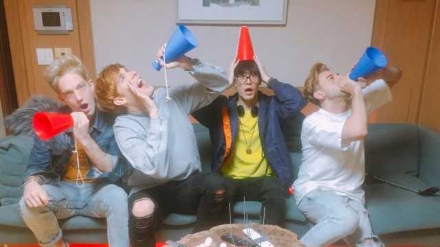 데뷔 1주년! 1YEAR DEBUT ANNIVERSARY!