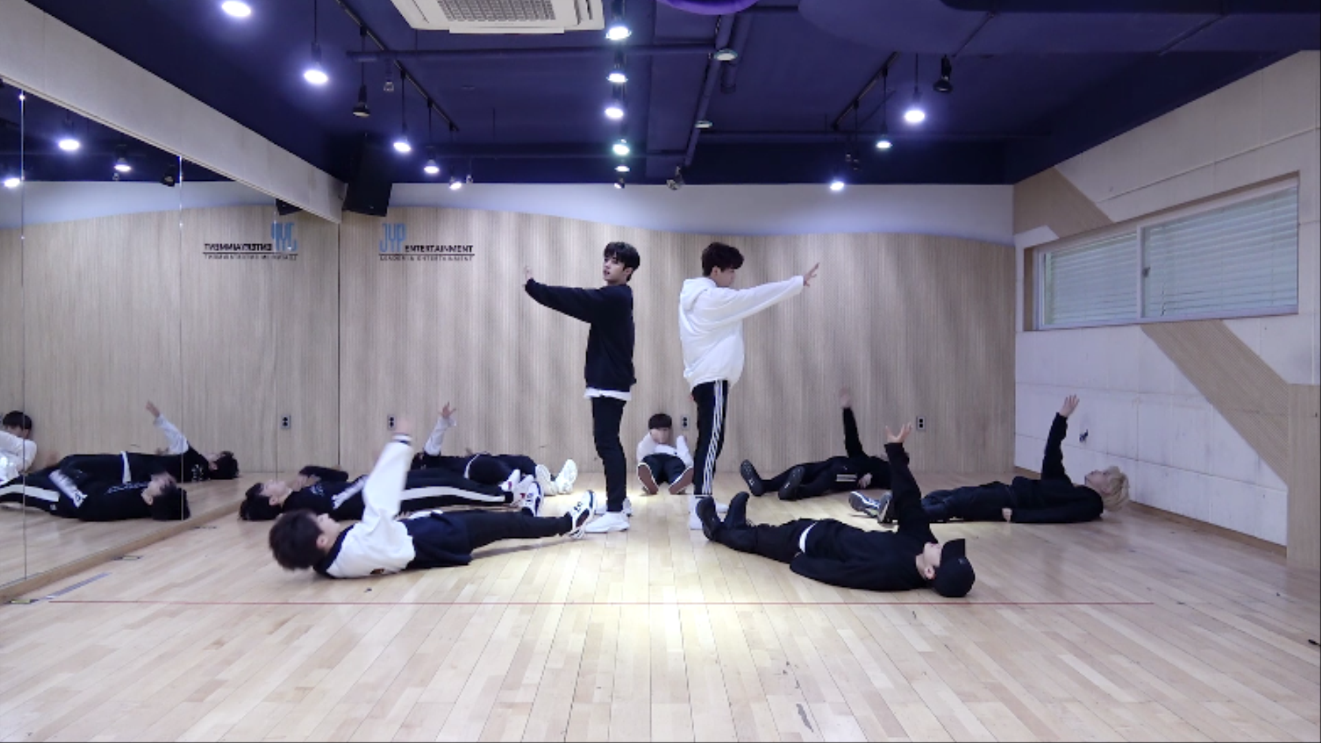 "Stray Kids(스트레이 키즈) ""Mirror"" Dance Practice (Random Speed Ver.)"