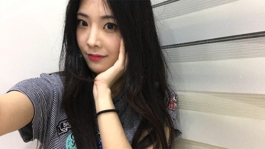 클로리스-Hangout with Dina-not sleepy yet?(Chloris)
