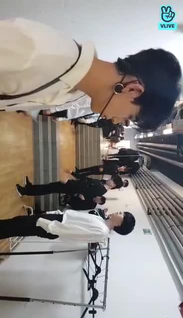 [ #GOT7NOW ] 덩어리는 스트레칭 중!