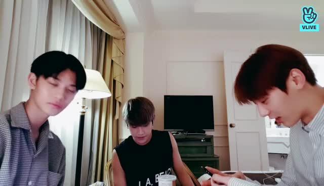 워너블이 보고싶은 황배참 ♡♡♡♡♡