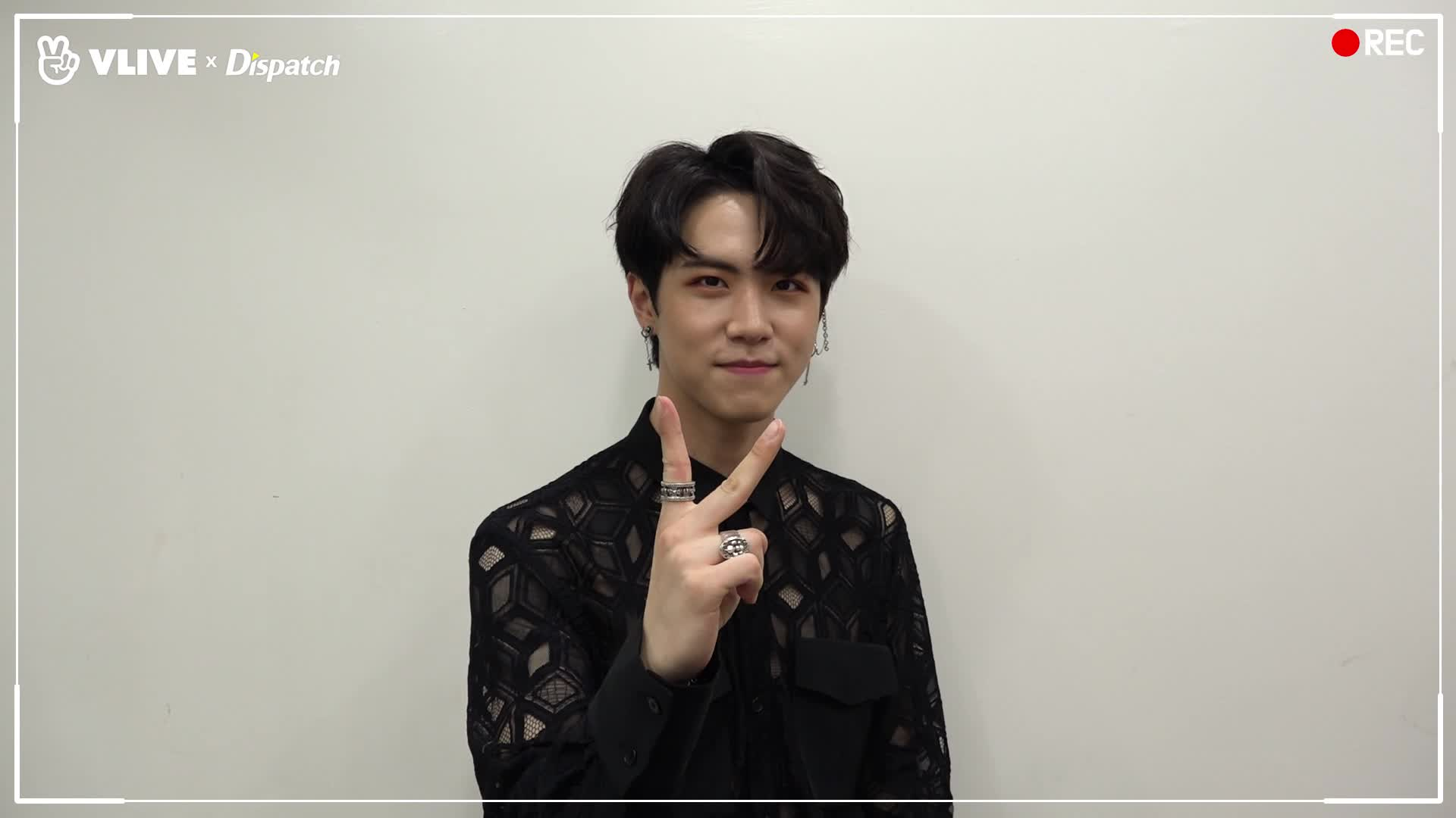 Welcome Opening for 'V Dispatch' 김동한(KIMDONGHAN)