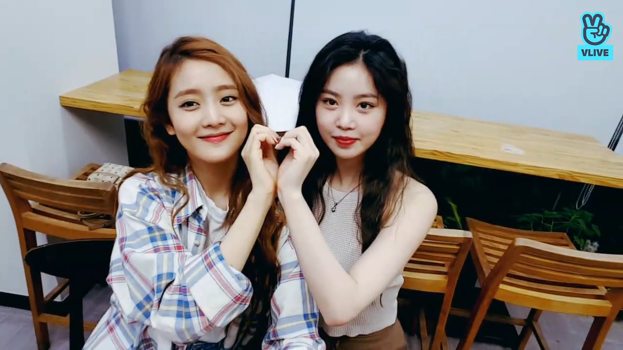 [(G)I-DLE] 방송 어색해하는 수민은 알러브야!💜 (Minnie&Soojin's V)