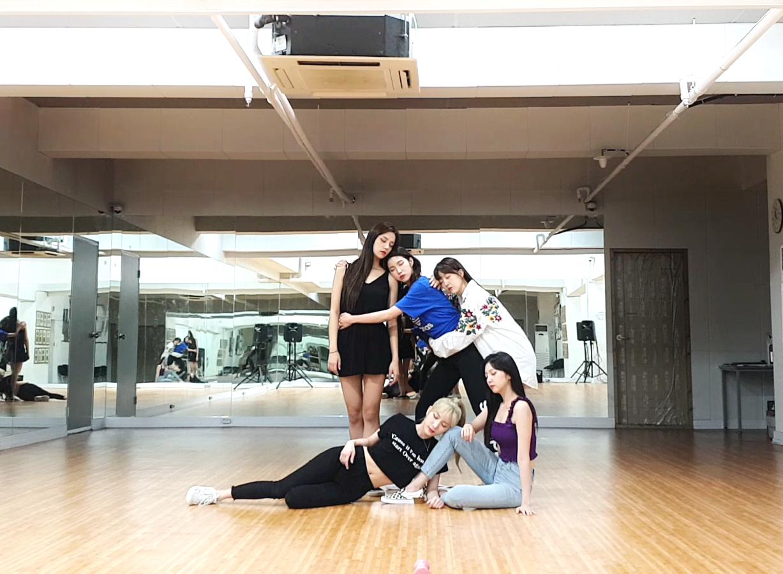 라붐(LABOUM) - '체온(Between Us)' 안무영상(Dance Practice)