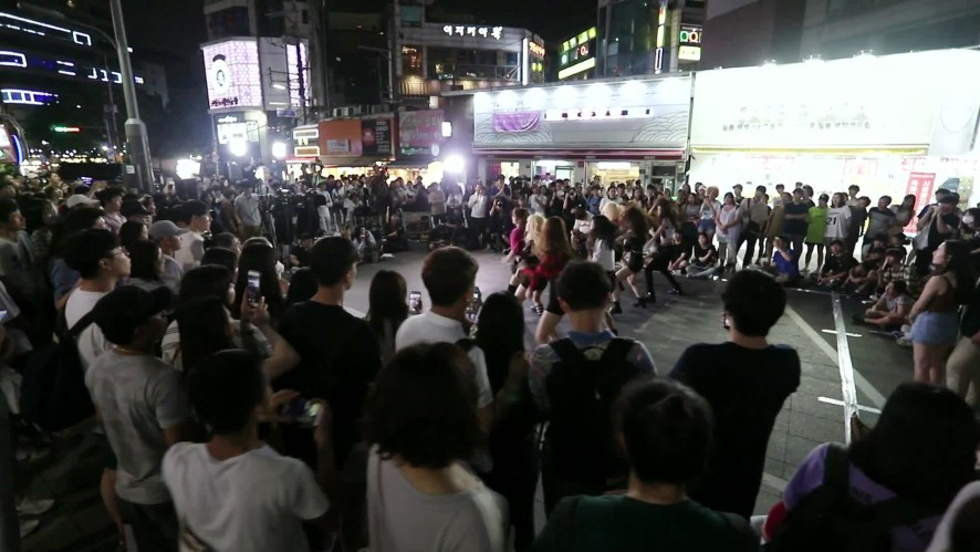 [Special Clip] Busking Performance