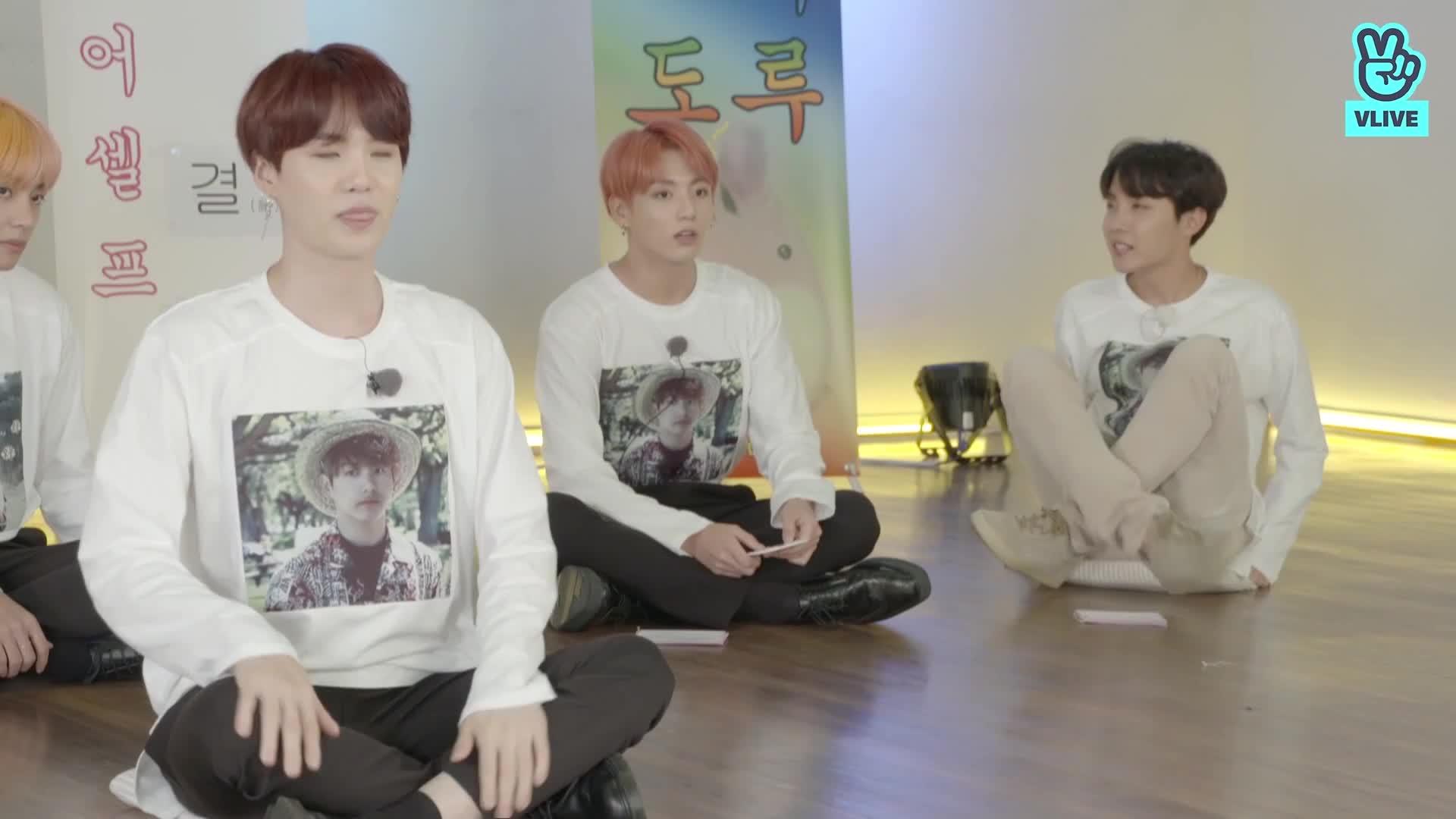 [BTS] 대혼란의 텔레사피 얼쑤〰️ 지화자 좋다🎶 (BTS playing telepathy game)