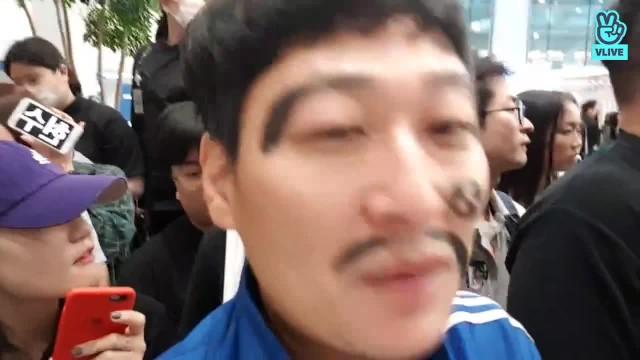 손흥민,이승우,황의조등 국가대표팀 금메달 입국 인터뷰 :)