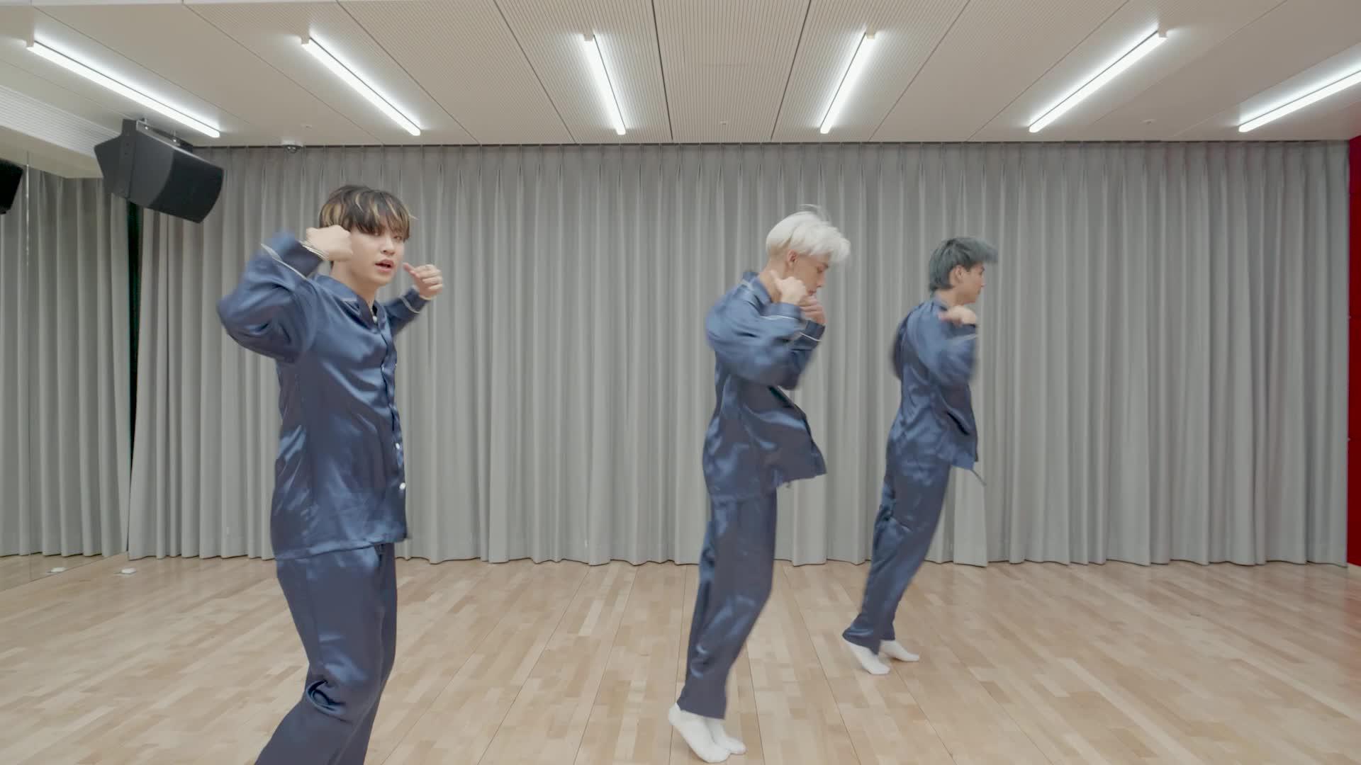 "GOT7(갓세븐) ""Lullaby"" Dance Practice (Pajama Ver.)"