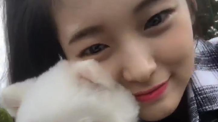 [OH MY GIRL] 아리니만 보면 감동의 눈물 절로 나와 태평양 이뤄..😭(Arin's Chuseok greetings)