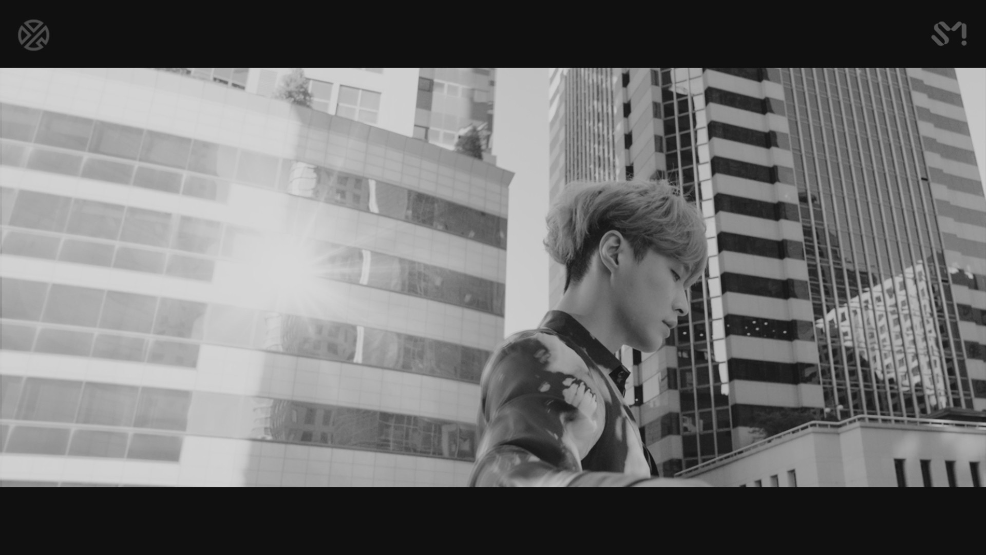 LAY 레이 'Give Me A Chance' MV