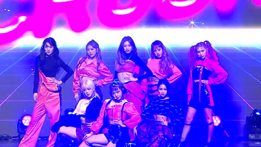 Weki Meki 위키미키 - Crush @'KISS, KICKS' Comeback showcase