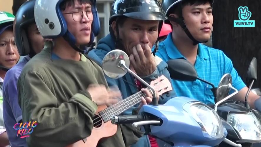 [FUNNY VIDEO] Thanh niên hát giữa ngã tư | Cường Kido