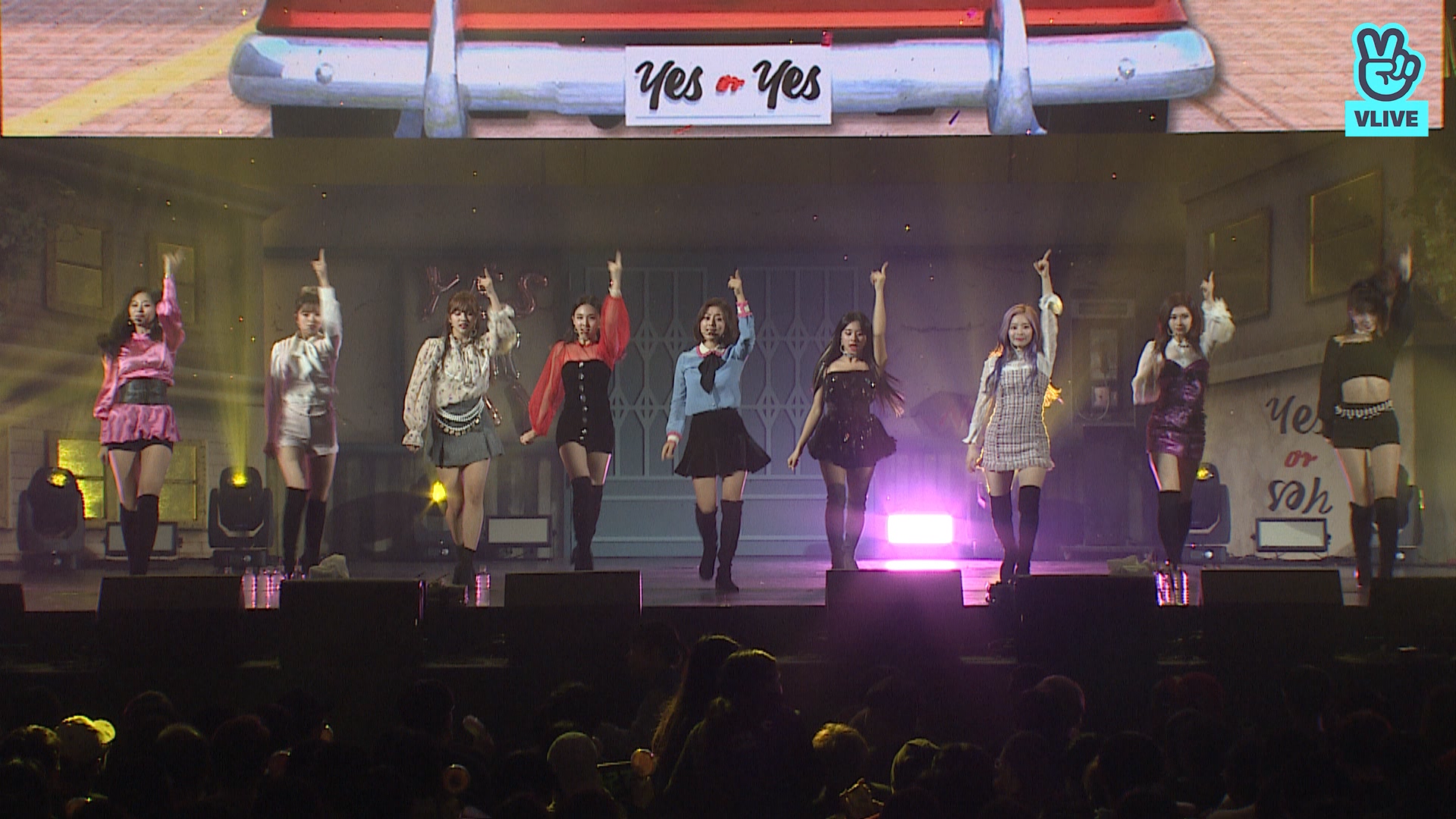 """TWICE(트와이스) """"YES or YES"""" - TWICE SHOWCASE <YES or YES>"""