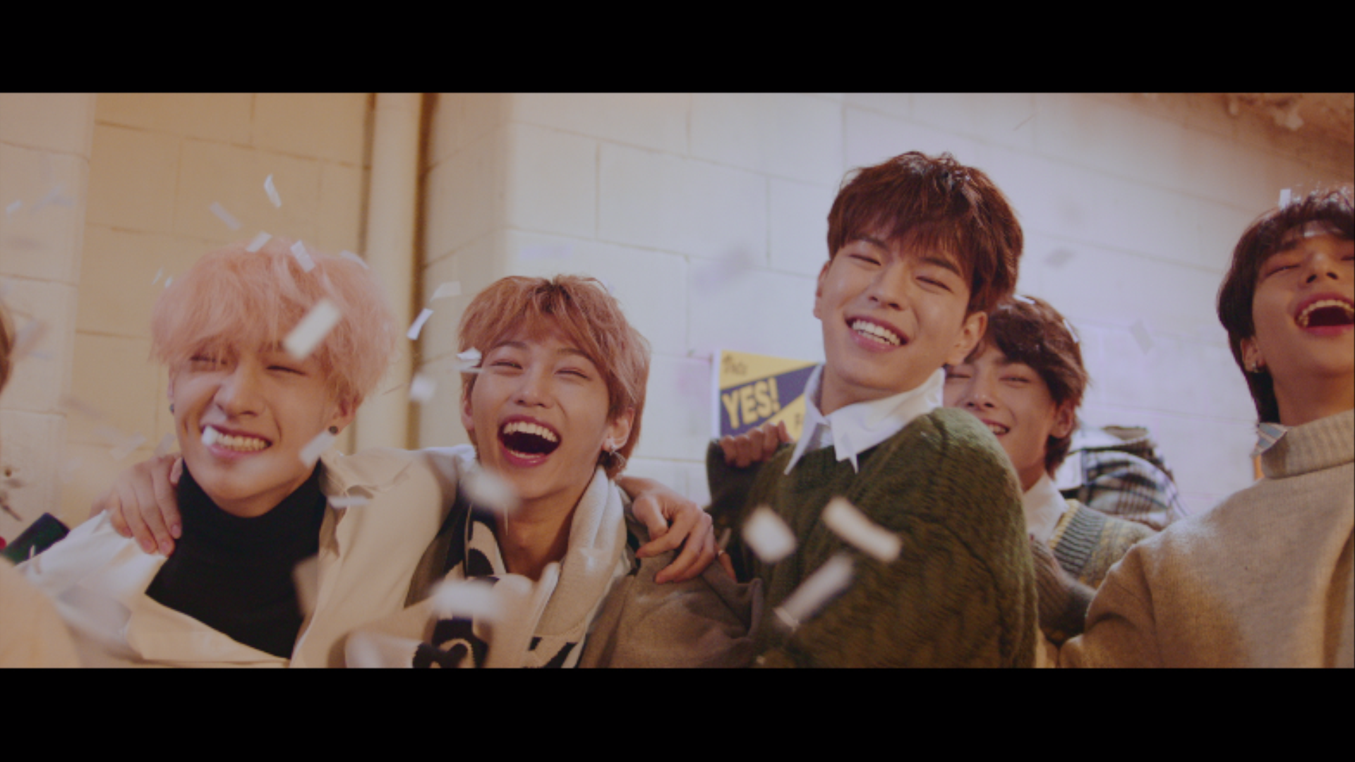 "Stray Kids(스트레이 키즈) ""Mixtape#3"" Video"