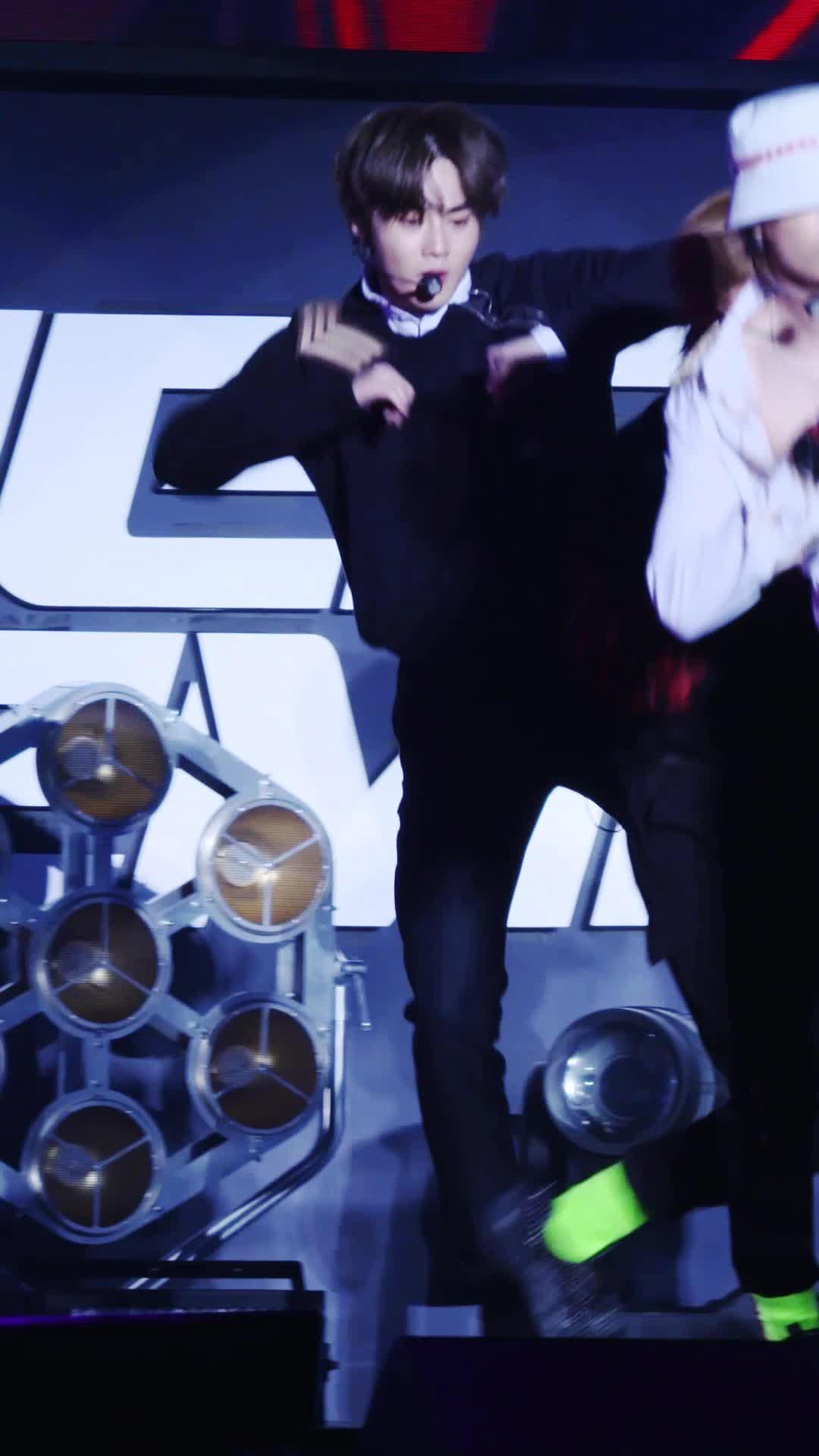 [#SUHO Focus] EXO 엑소 'Tempo' @COMEBACK SHOWCASE