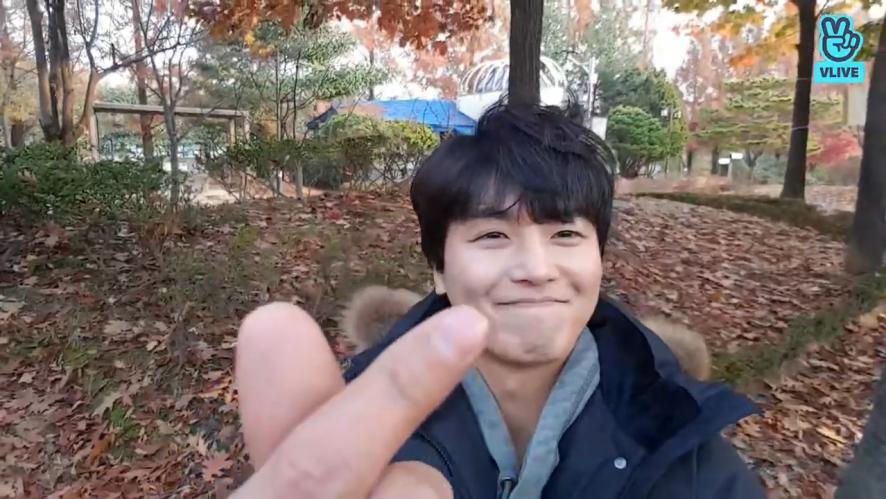 [YEON WOO JIN] 가을남자 김봉호이 귀엽!🍂 (YEON WOO JIN talking with fans)