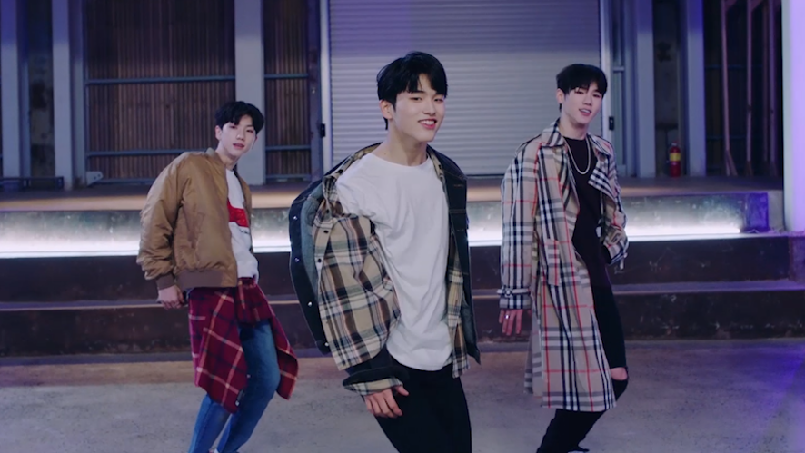 PERFORMANCE TEAM 'We are Young' M/V