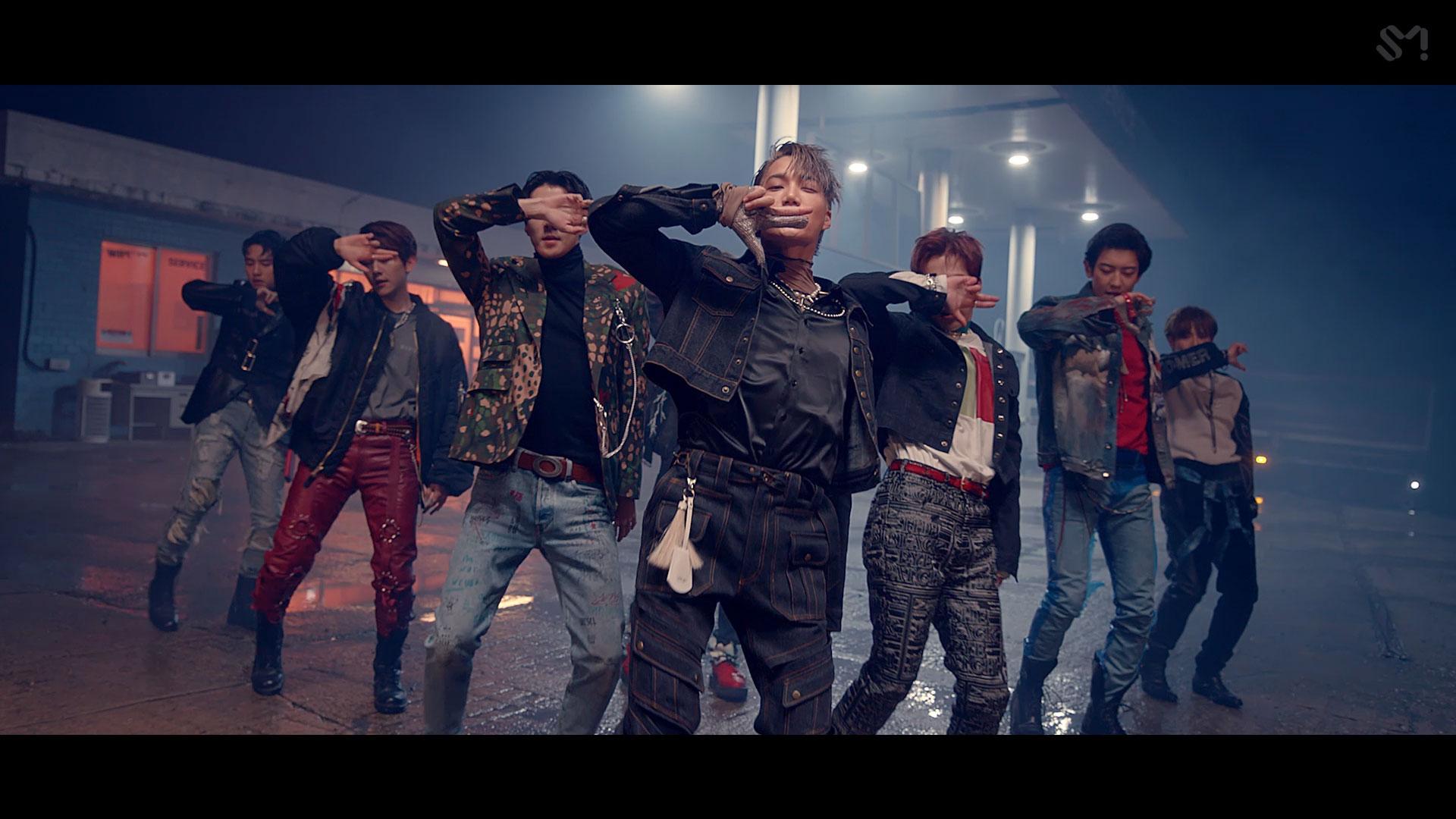 EXO 엑소 'Love Shot' MV