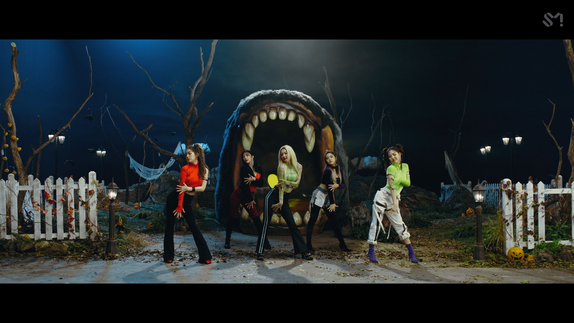 Red Velvet 레드벨벳 'RBB (Really Bad Boy) (English Ver.)' MV