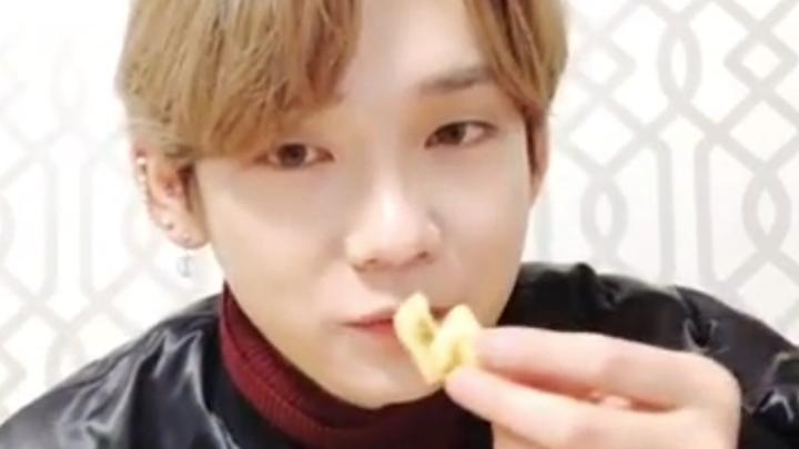 [JBJ95] 고건태씨 사랑했나봐 잊을수없나봐..자꾸 생각나..(KENTA reading fans' comments)