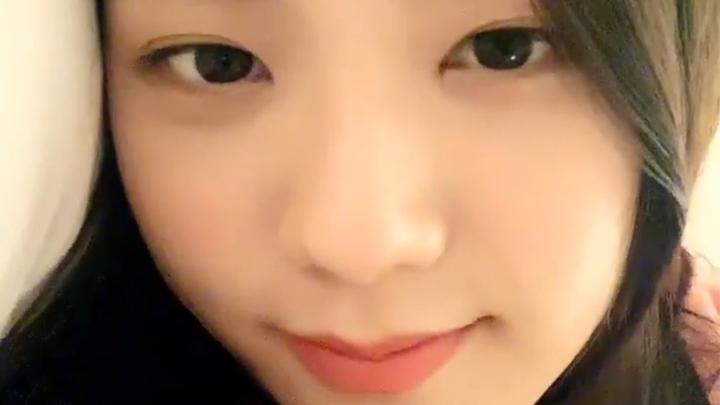 [BLACKPINK] 블랙핑크 지수, 입김의 비밀은 그저 긴 숨일뿐··· (JISOO talking about a picture of her)