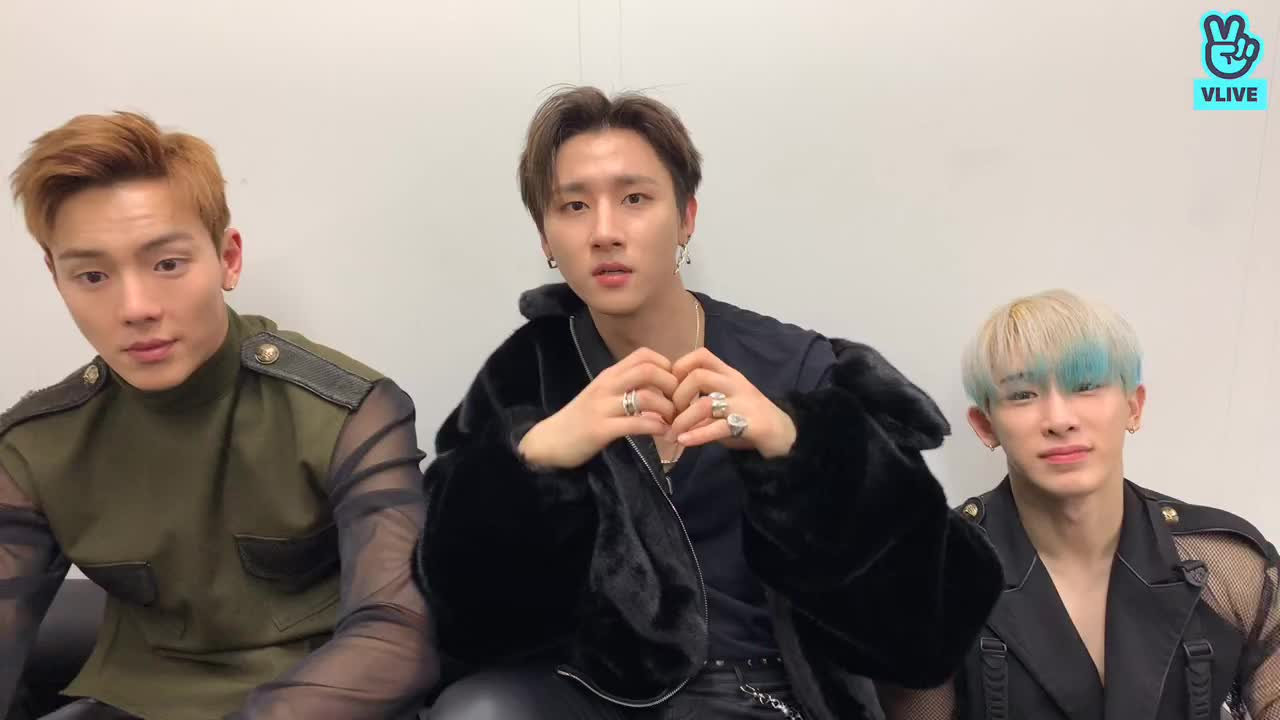 LIVE : 2019 HAPPY NEW YEAR! MONBEBE❤️