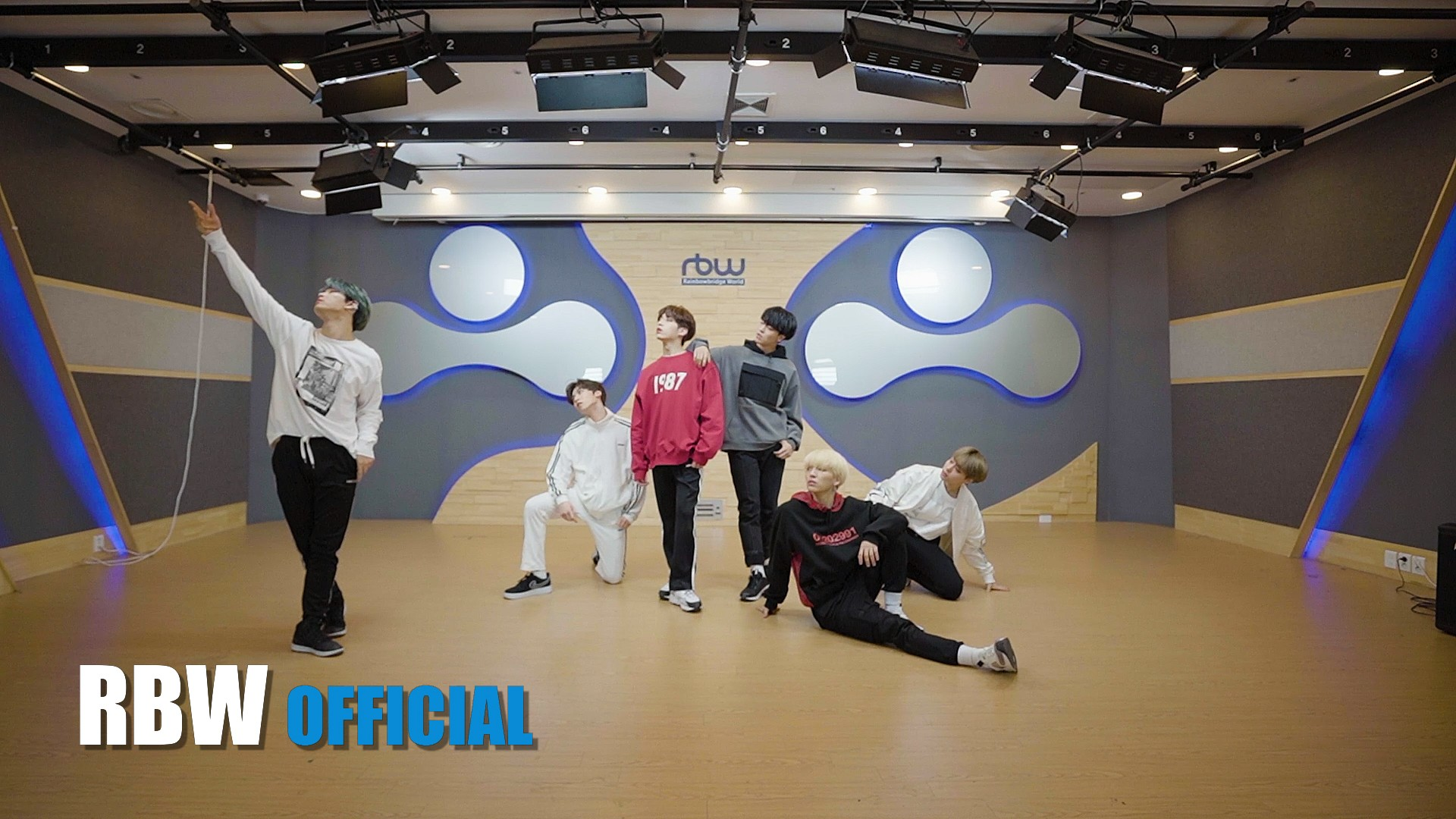 [Choreography] ONEUS(원어스) '발키리(Valkyrie)' 안무 영상