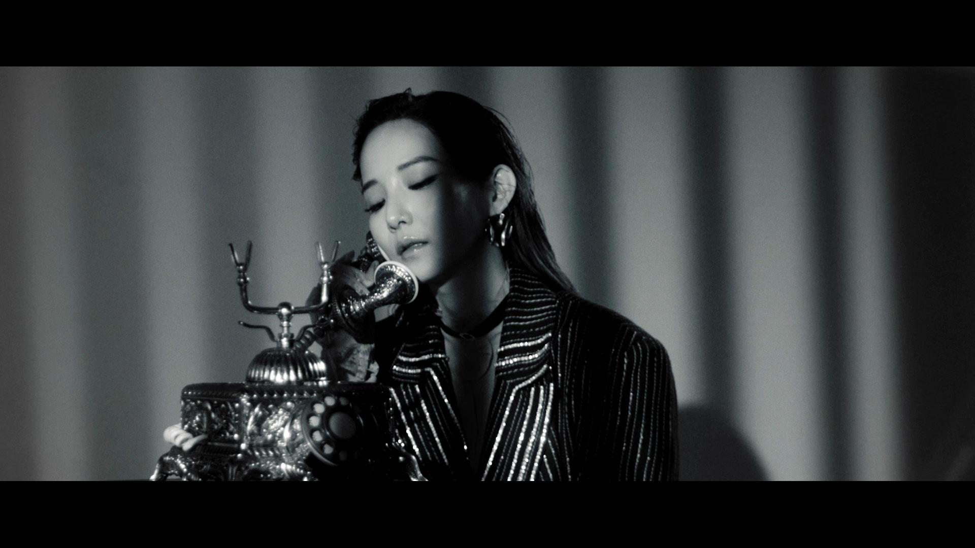 Jiselle 지젤 '받지마 (Feat. 챈슬러 Chancellor)' MV