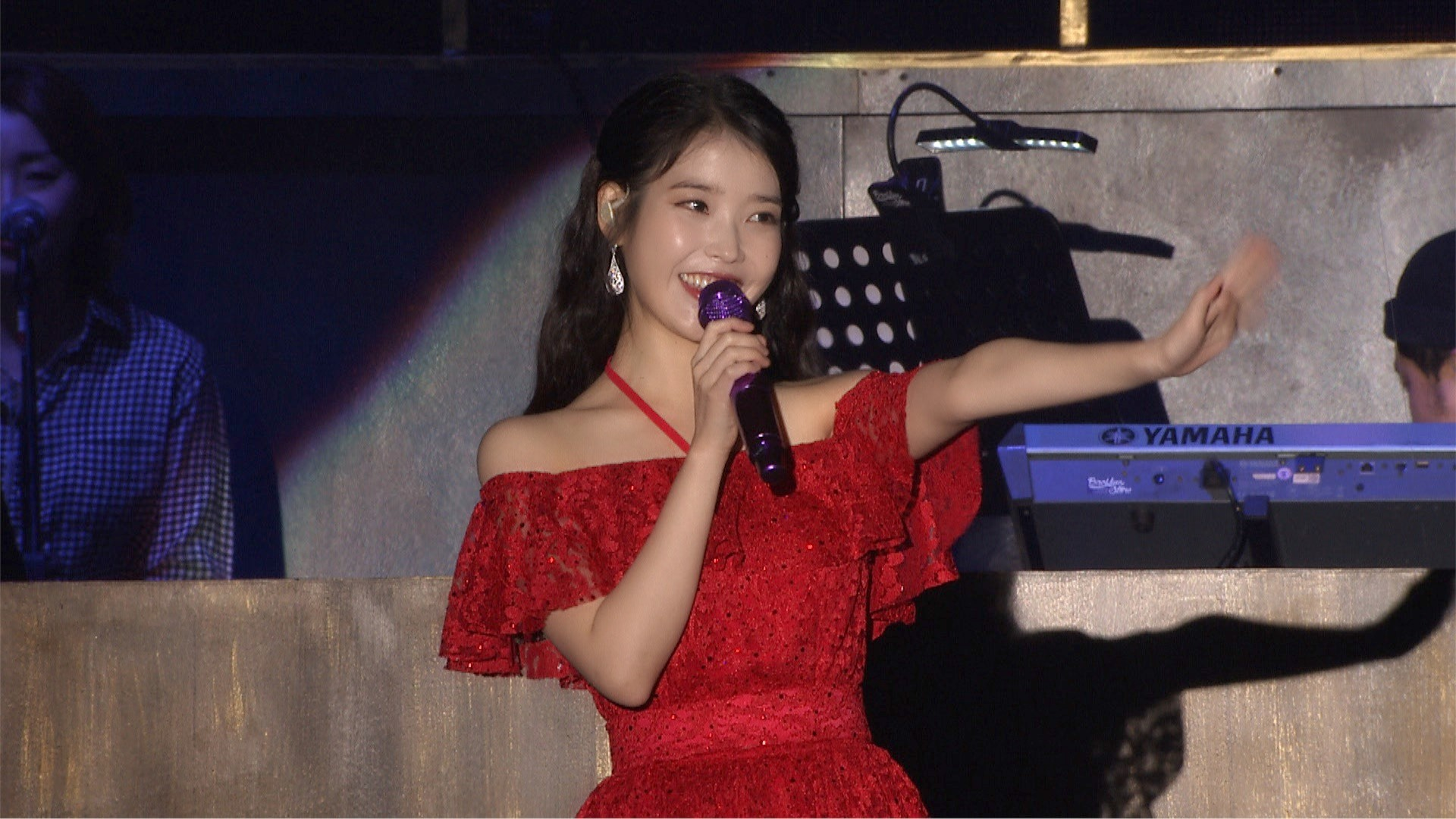 [IU TV] IU 10th Anniv. Tour Concert 'dlwlrma. (이 지금)' - HongKong