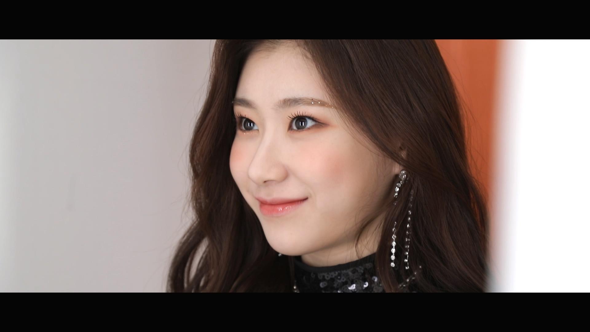 """ITZY(있지) """"달라달라(DALLA DALLA)"""" : M/V BEHIND #Chaeryeong(채령)"""