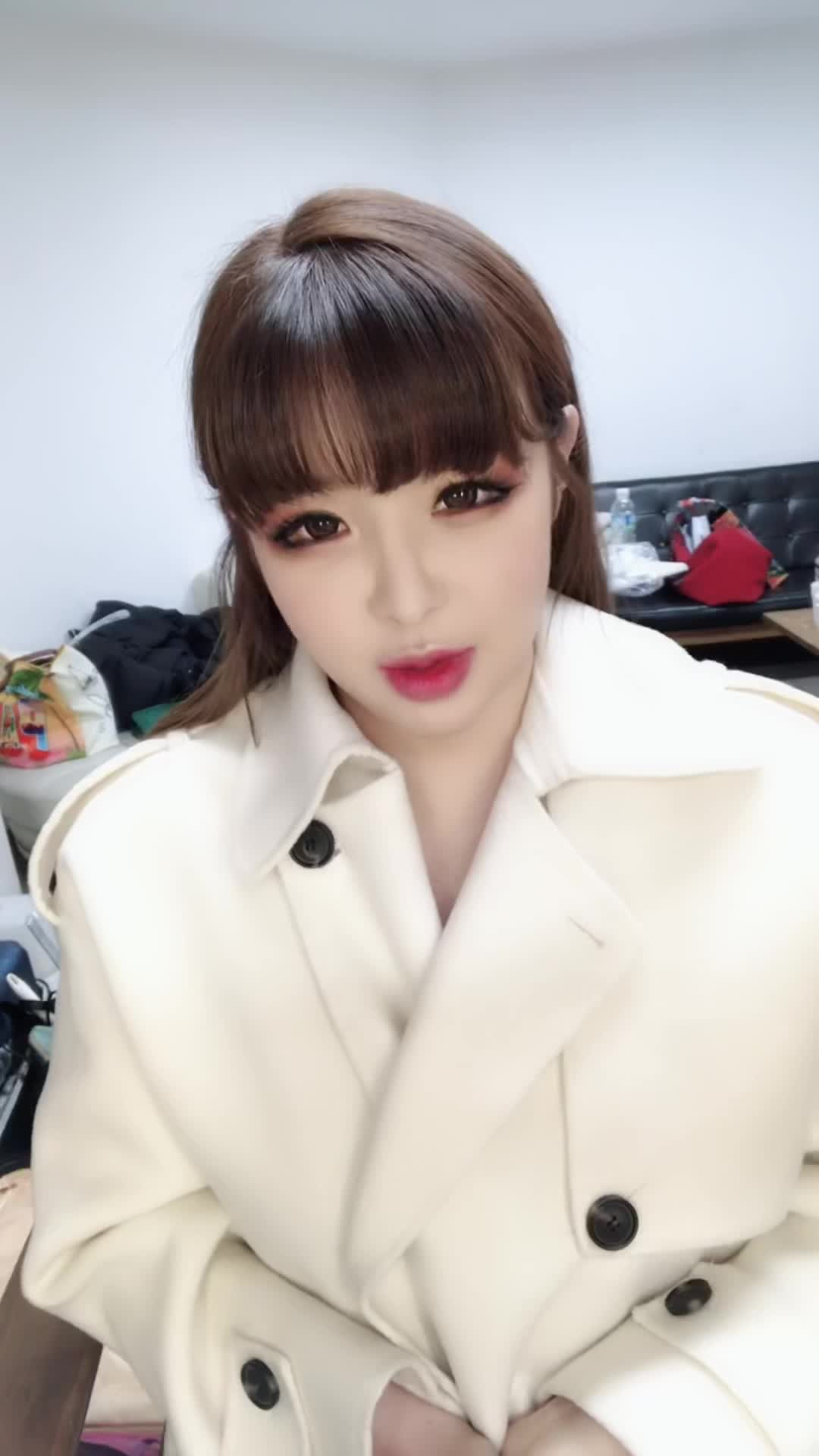 [BOM] 박봄 (PARK BOM) VLIVE Channel open!