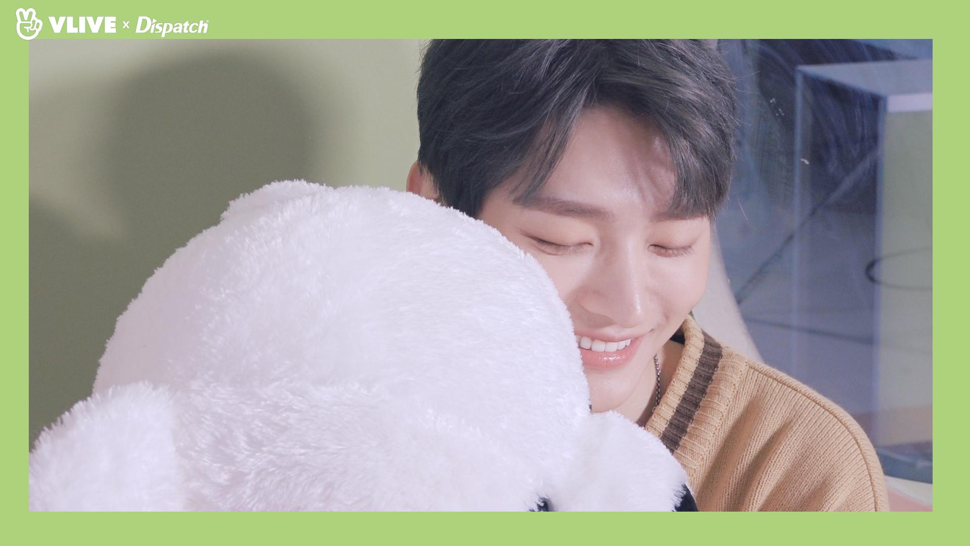 "[ⓓxV] ""이 스윗한 사람아"" 'In the Rain' MV HD SKETCH (윤지성 :YOON JI SUNG)"