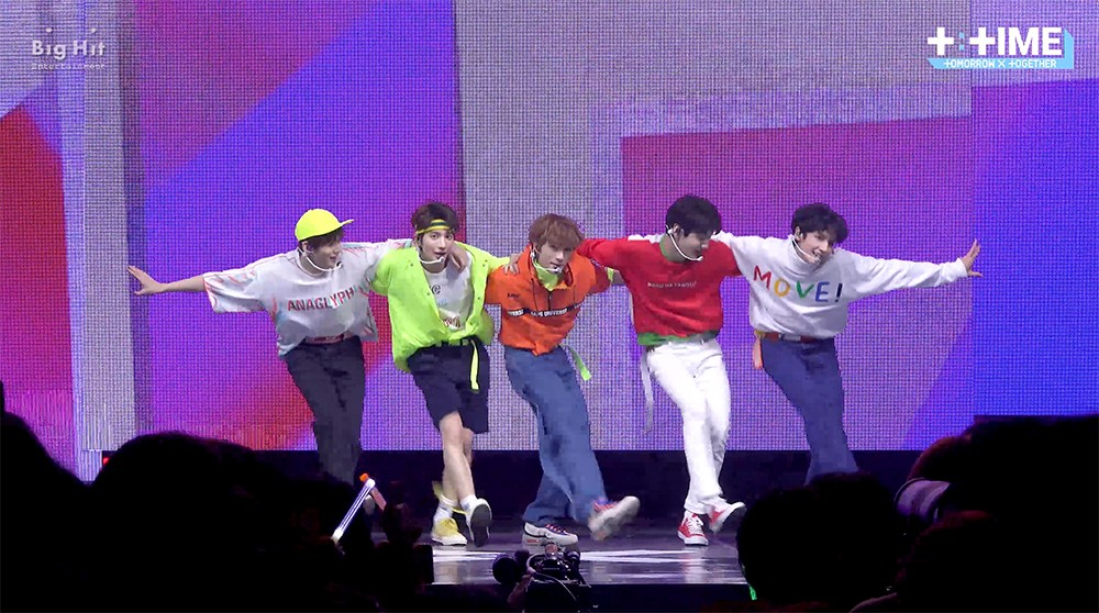 TXT (투모로우바이투게더) - 'Blue Orangeade' stage @ Debut showcase