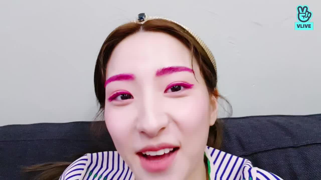 [우주소녀] 인디드 화보 촬영중😚