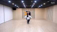 TXT (투모로우바이투게더) '어느날 머리에서 뿔이 자랐다 (CROWN)' Dance Practice