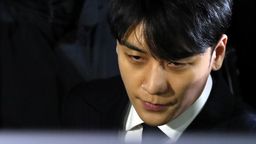 """""""입영 연기할 것""""…승리, 조사 마치고 귀가"""