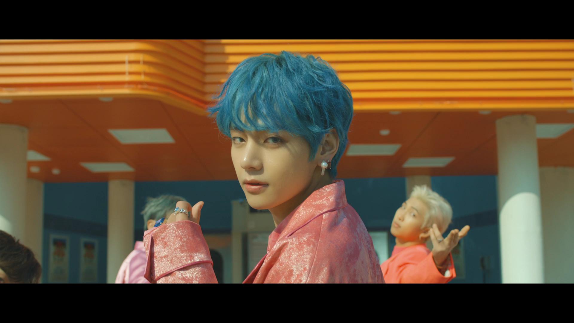 BTS (방탄소년단) '작은 것들을 위한 시 (Boy With Luv) feat. Halsey' Official Teaser 2
