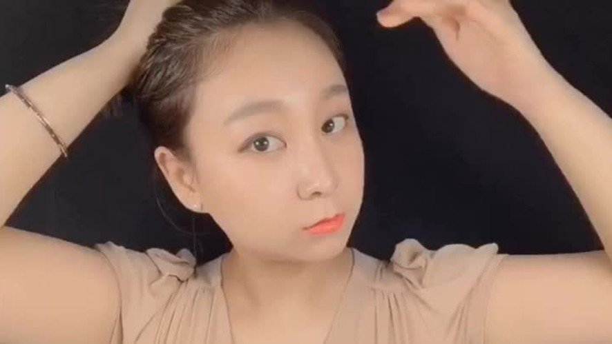 [1분팁]단발똥머리묶는법 How to tie a bun for short hair