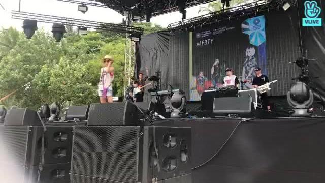 FeelGhoodMusic's Broadcast