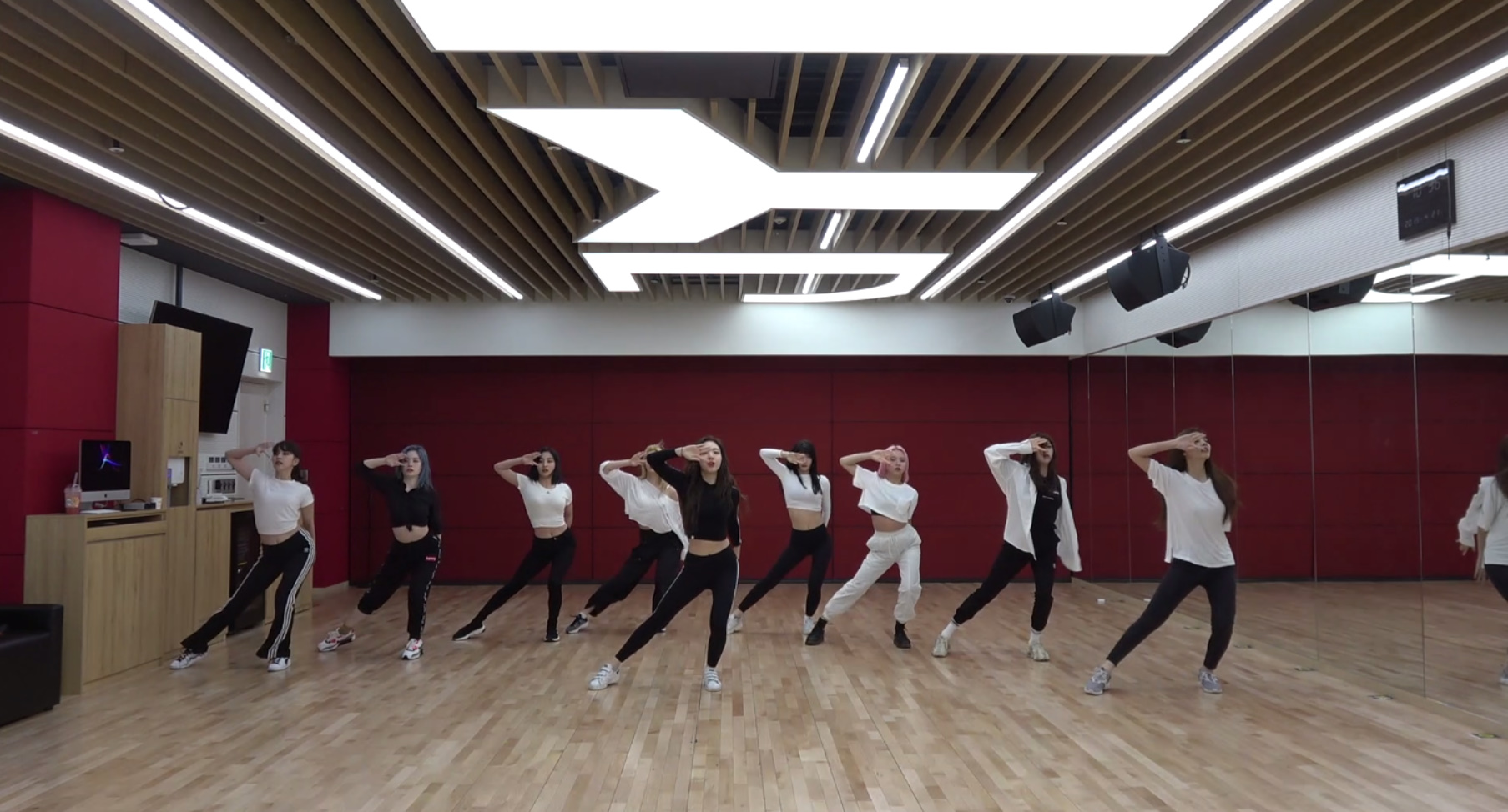 "TWICE(트와이스) ""FANCY"" Dance Practice Video"