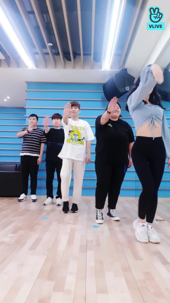 모모의 FANCY 댄스교실