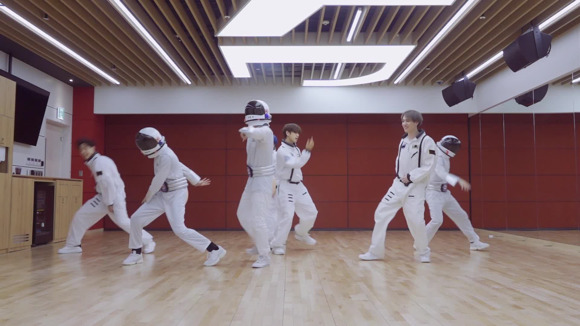 "GOT7(갓세븐) ""ECLIPSE"" Dance Practice (Directed by Jackson)"