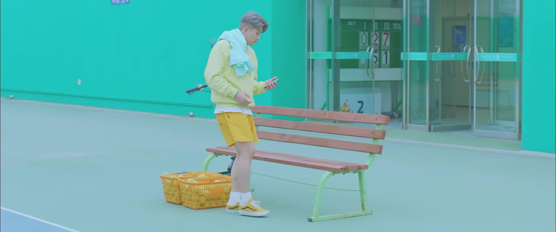 [우디] '대충 입고 나와(Natural) Official MV