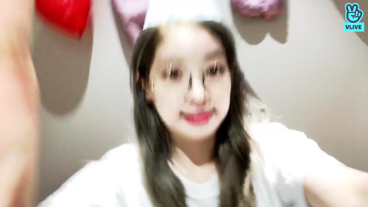 DAHYUN Happy Birthday V LIVE 2