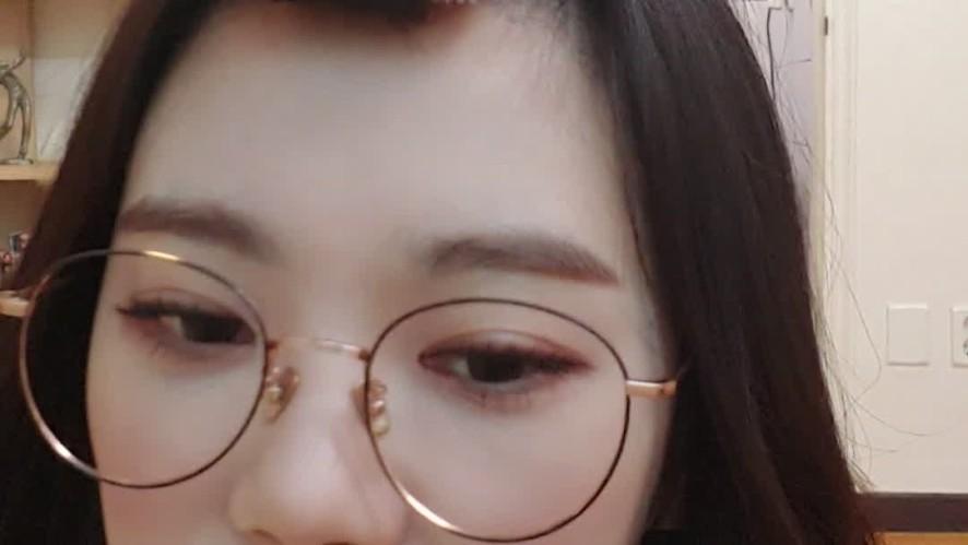 앱드라마 김슬기 천재 3회 오픈 ☞ 스토어에서 '김슬기천재' 검색!