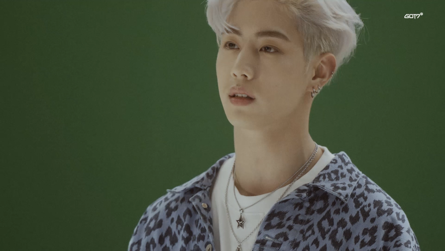"GOT7(갓세븐) MONOGRAPH ""SPINNING TOP : BETWEEN SECURITY & INSECURITY"" PART3."