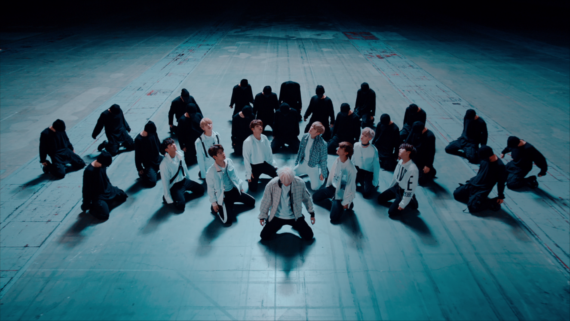 "Stray Kids(스트레이 키즈) ""부작용"" Performance Video"