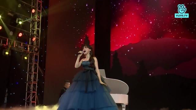 Hòa Minzy - Chỉ là tình cờ - V HEARTBEAT LIVE June 2019